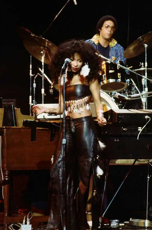 Chaka Khan Performing with Rufus